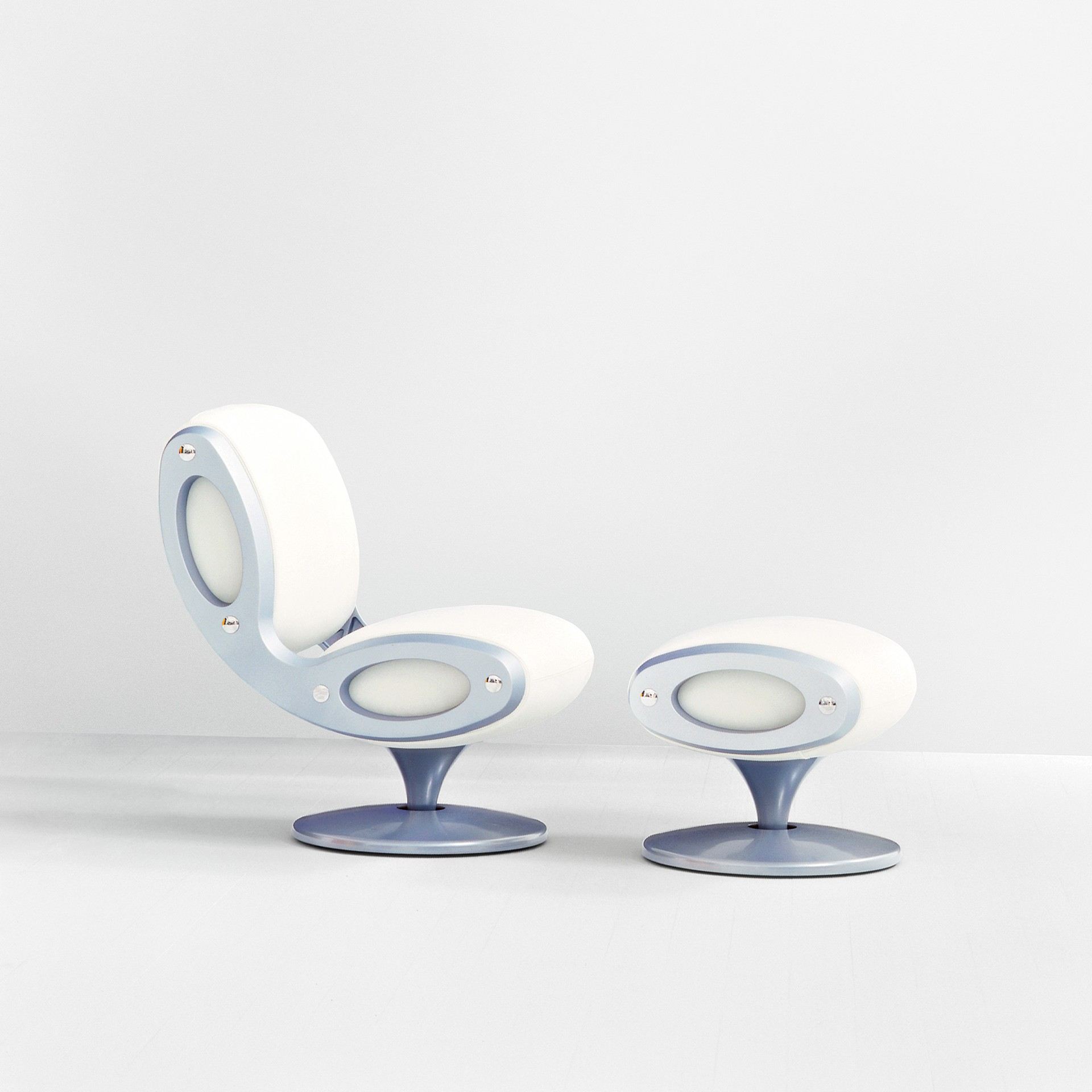 Gluon Chair